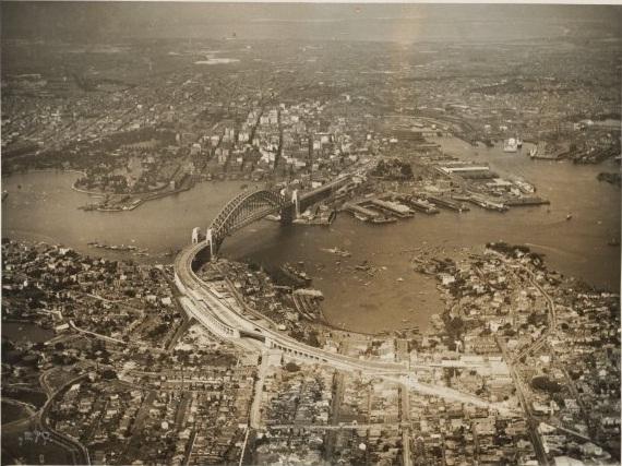 Vista aérea de Sydney tomada desde North Shore. 1932. Fuente: National Library of Australia vía Wikimedia Commons