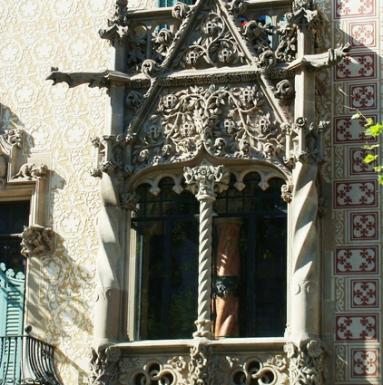 Detalle ventana estancia dormitorio Teresa Amatller. Fuente: internet