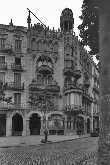 Casa Lleó i Morera fotografiada por Brangulí. Fuente: ANC