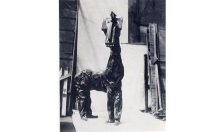 Personaje caballo diseñado por Pablo Picasso, 1917. Fuente:
