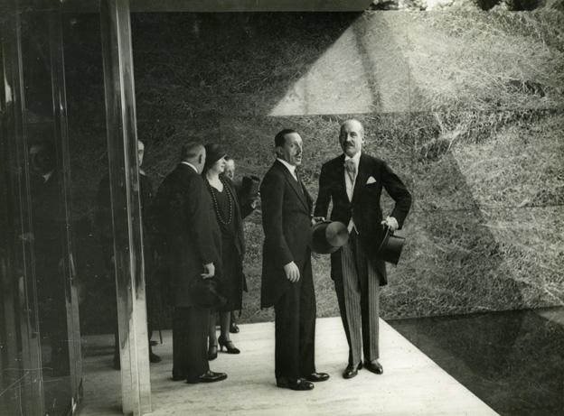 Visita real al Pabellón alemán, 1929. Fuente: AFB