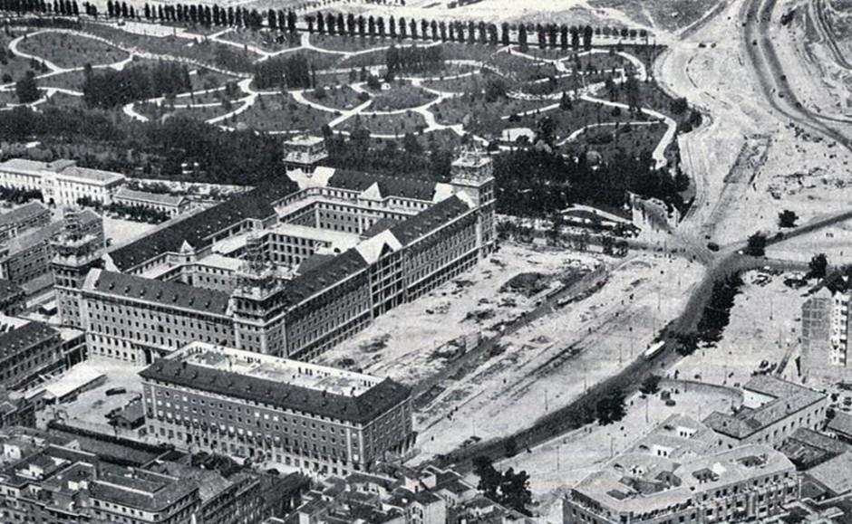 Luis Gutiérrez Soto, Ministerio del Aire en construcción, 1942-1951. Fuente: El Madrid de ayer visto en el cine español