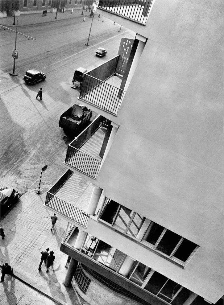 Antoni de Moragas, Park Hotel, 1950-53. Foto Francesc Català-Roca. © Fons Fotogràfic F. Català – Roca – Arxiu Fotogràfic de l'Arxiu Històric del Col·legi d'Arquitectes de Catalunya