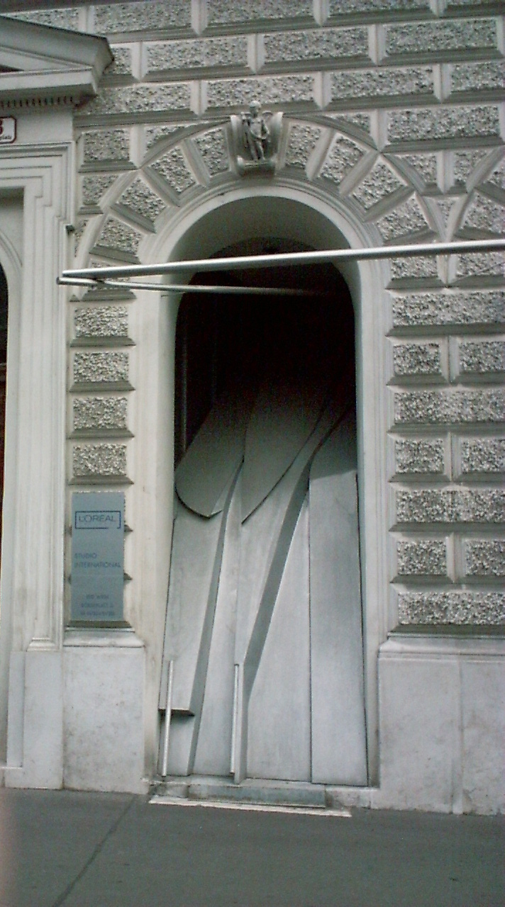 Estudio Baumann, Coop Himmelb(l)au, 1985. Fotografía: Guillem Carabí, 2003