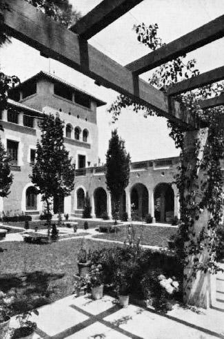 A. Puig i Gairalt, Casa Guarro. 1921-23. Font: La Ciutat i la Casa, n. 1, 1926.